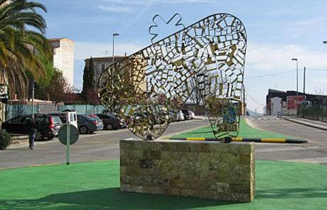 Logo en escultura