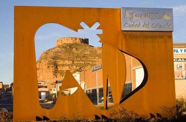 Escultura de logotipo Arnedo