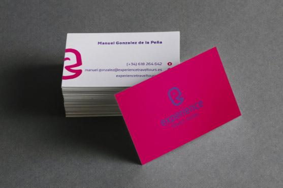 Uso de logotipo sobre fondos claros